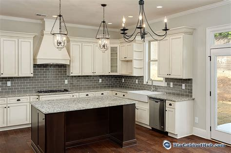 Images Of White Shaker Kitchen Cabinets