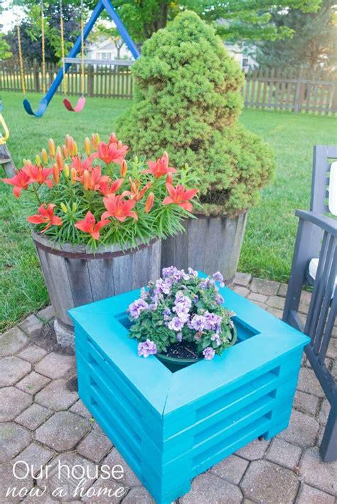easy   diy  wood flower planter  house