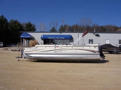 Used Bennington Pontoon Boats In Wisconsin by Used Pontoon Boats For Sale In Wisconsin Page 3 Of 3