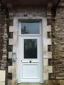 porte d39entree isolation service menuiserie pose de With porte en bois avec vitre