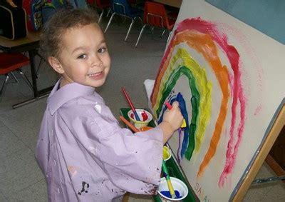 scholars preschool 996 | little scholars preschool painting a rainbow