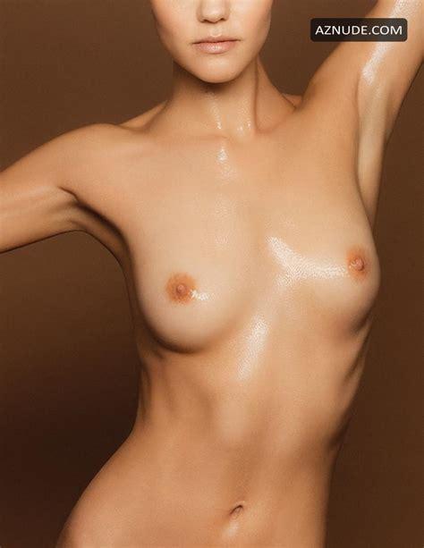 Kassandra Voyagis  nackt