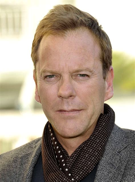 Wie Sieht Eine Kiefer Aus by Kiefer Sutherland With And Home Magazine