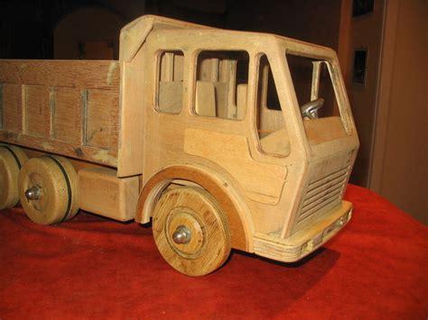 jeux de ranger les chambre camion en bois 2009 sacha les idées folles de pépé la