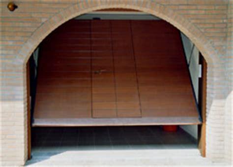 Porte Per Box Auto by Porte Box Basculanti Carzaniga