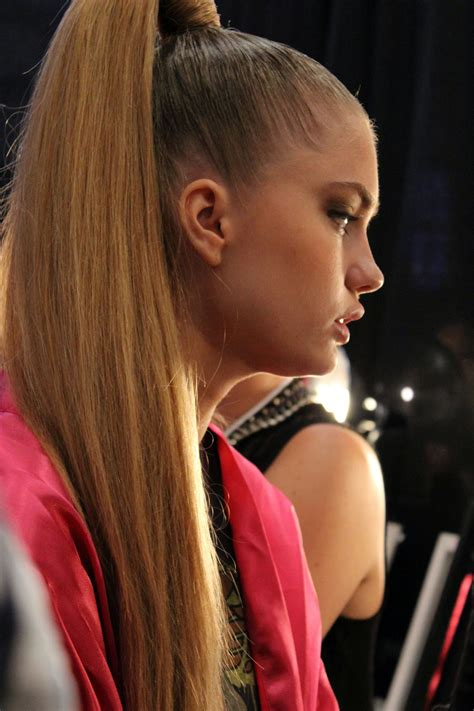 beautiful ponytail     wow  wow style