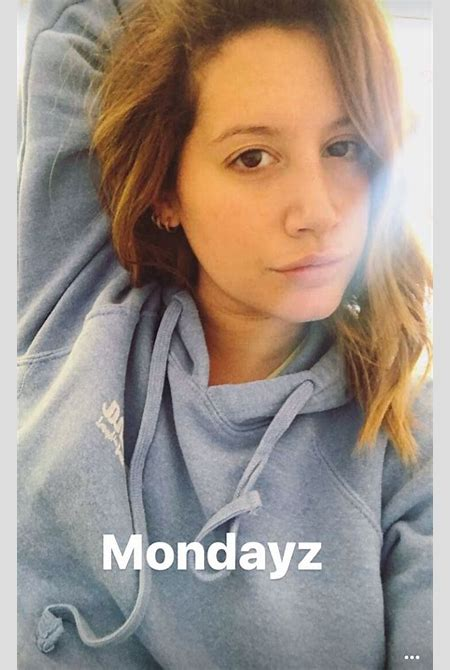 Celebs' No-Makeup Selfies: Stars Share Their Best Barefaced Photos   PEOPLE.com