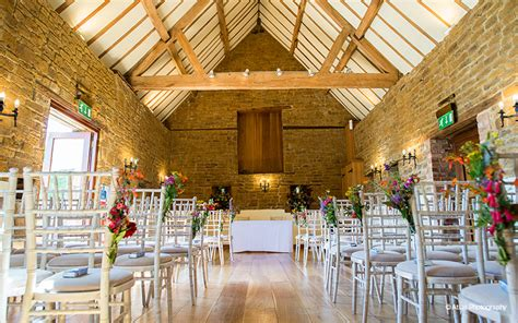 barn wedding venue  northamptonshire crockwell farm