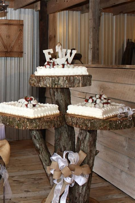 Rustic cake table for weddings near Decatur Al