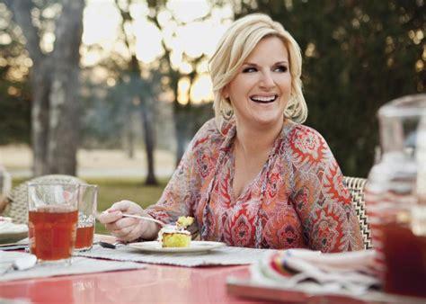 trisha yearwood country kitchen trisha yearwood s sings comfort food s praises ny daily news 6385