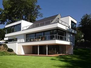 Modernes Haus Satteldach : bauhaus mit satteldach haus ideen moderne architektur ~ A.2002-acura-tl-radio.info Haus und Dekorationen