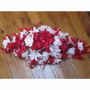 Deco Avec Piece De Voiture : d coration voiture mariage magnifique avec lys et plumes bouquet de la mariee ~ Medecine-chirurgie-esthetiques.com Avis de Voitures
