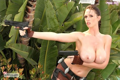 Cosplays Y Hentai De Lara Croft Tomb Raider Gifs Poringa