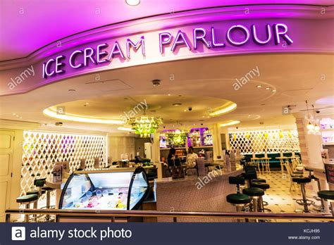 Ice Cream Parlour Stock Photos & Ice Cream Parlour Stock Images   Alamy