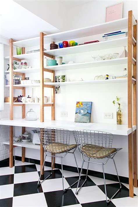 cocina  piso tipo damero mueble de guardado  comedor