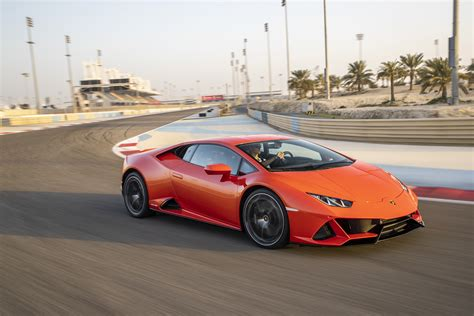 2019 Lamborghini Huracan Pictures by 2019 Lamborghini Huracan Evo Pictures Photos Wallpapers