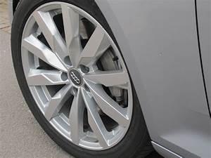Pneu Audi Q5 : les bonnes raisons de v rifier ses pneus et freins r guli rement l 39 argus ~ Medecine-chirurgie-esthetiques.com Avis de Voitures