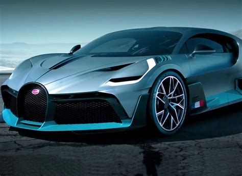It is available with the automatic transmission. Bugatti Divo: The ultra expensive Hypercar - KNine Vox