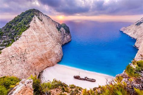 Beaches With Shipwrecks Insider