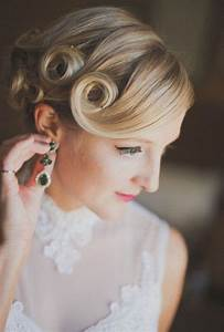 Best 25+ Pin curl updo ideas on Pinterest | Retro updo ...