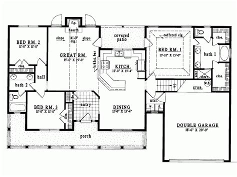 single level house plans eplans country house plan single level living 1627