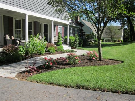 curb appeal for small front yard front yard landscaping adds curb appeal