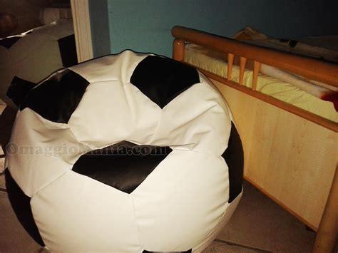 Poltrona Gonfiabile A Forma Di Pallone : Poltrona Pouff Pallone Con Fileni