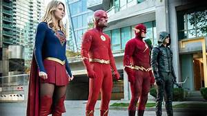 Elseworlds Every DC Easter Egg In The Arrowverse