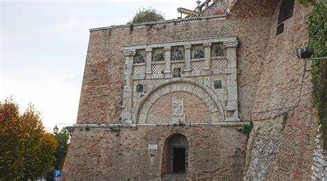 porta marzia perugia porta marzia www umbriatourism it