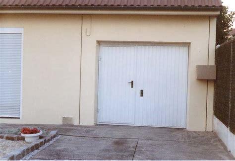 porte de garage basculante brico depot portes de garage basculantes avec portillon obasinc