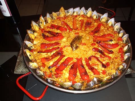 recette cuisine basque file paella with mussels jpg wikimedia commons