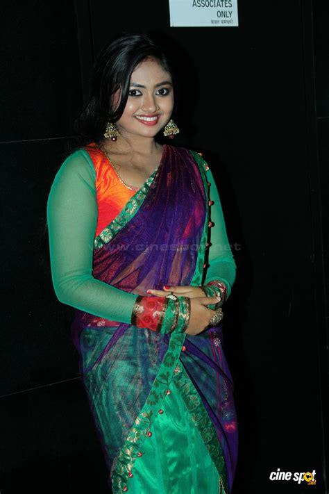 Mallu Actress Shalin Hot Navel Show In Saree All