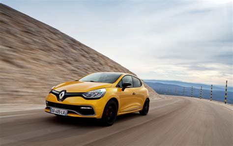 Renault Clio R S Wallpapers by 2013 Renault Clio Rs 200 Edc Motion Front Angle Wallpapers