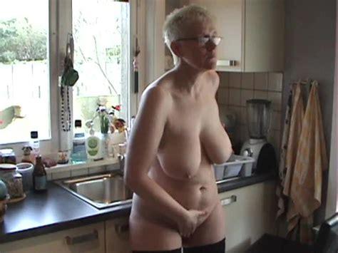 Big Ass Mature Naked In Her Kitchen Bbw Porn