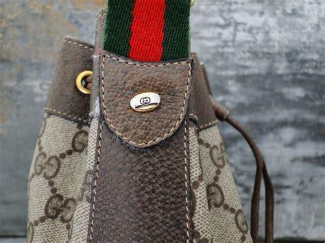 gucci vintage drawstring bucket bag brown