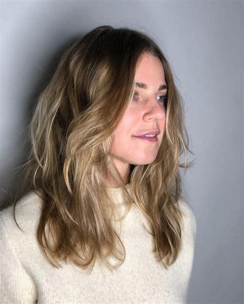 haircut  square face female wavy haircut