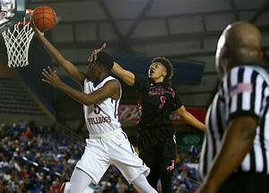 Photos from Thursday's games at the Hardwood Classic in ...