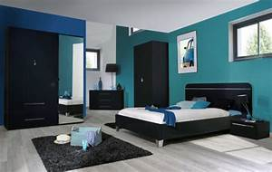 Lit 140 x 190 first noire noir brillant for Chambre à coucher adulte moderne avec prix pour un bon matelas