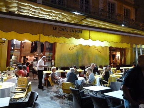 la cuisine proven軋le le cafe la nuit arles restaurant reviews photos tripadvisor