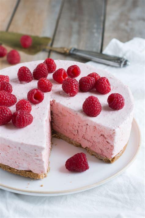 dessert pour l ete chic chic chocolat le g 226 teau nuage de fraises la recette express qui va embellir l 233 t 233