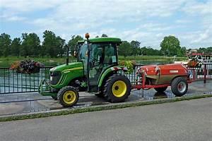 John Deere Kleintraktor : john deere 3720 kleintraktor mit angeh ngtem wassertank ~ Kayakingforconservation.com Haus und Dekorationen