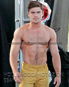 foto de Zac Efron Shirtless Hunk Hairy chest movie tv Actor 8x10