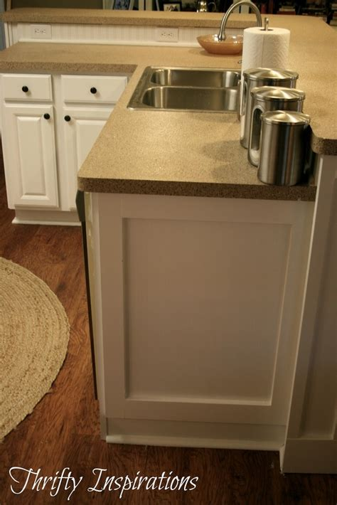 side of kitchen cabinet ideas 133 best images about updating cabinets molding on