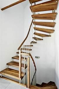 Handlauf Für Treppe : eine treppe die sich auch ohne den handlauf tr gt mit stufen aus wildem buntem amerikanischen ~ Markanthonyermac.com Haus und Dekorationen