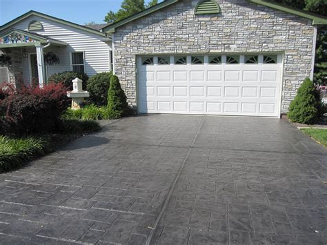 Maintaining a Concrete Driveway in St. Louis MO