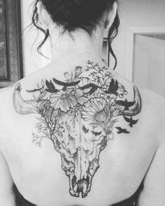 Inspiration bull skull with earth elements | skulls, flowers and lace | Bull skull tattoos