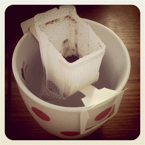 How to make drip coffee and what is hario v60? jonnyontheroad: Single-serving drip coffee bags