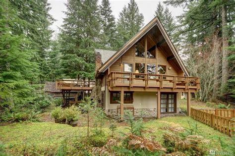 mt rainier cabins alpine cabin tucked away mount rainier national park