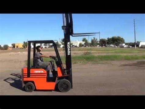 toyota  fg lb capacity pneumatic forklift