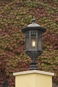 Lanterne Exterieur A Poser : lanterne d 39 ext rieur en fer forg forme chapiteau pointu ~ Dailycaller-alerts.com Idées de Décoration
